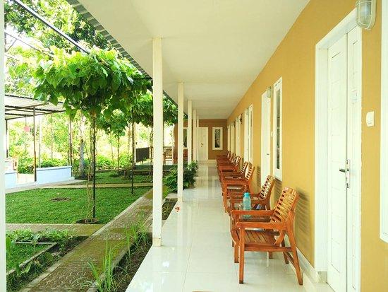 Rinjani Garden: A nice porch to hang out