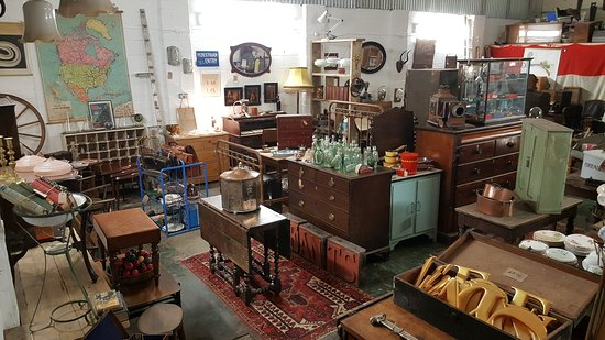 ‪Hunt & Gather Antiques and Collectables‬