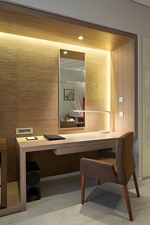 Studio Superior / Deluxe Room- Work Desk