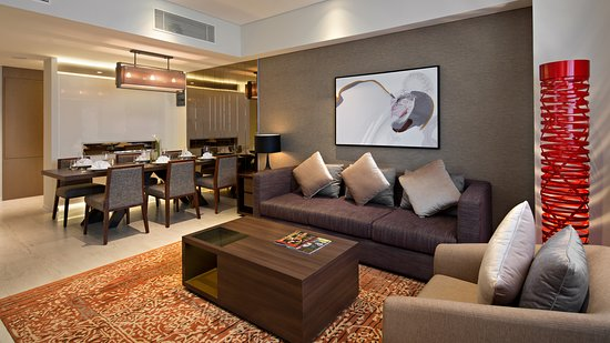 Oakwood Hotel & Residence Surabaya: Two Bedroom Apartment - Livingroom