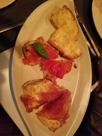 Cybo: The wonderful bruschetta starter.