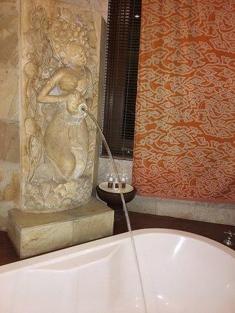 The Mansion Bali: regardez le ket d eau