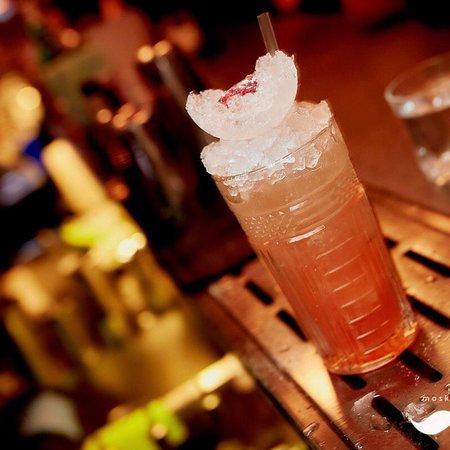"""Moskvich: Cocktail """"Brichmula"""""""