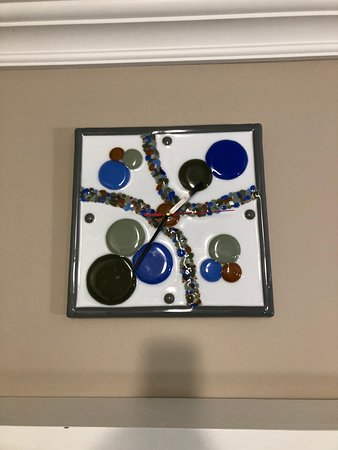 Red Lake, Canada: Local art (stained glass clock)