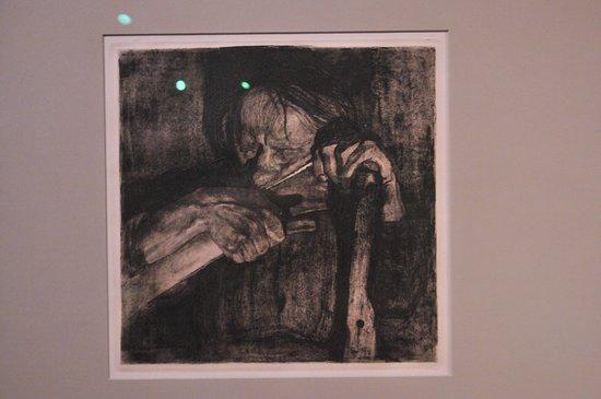 Koekelare, België: Donkere impressie van de hand van Käte Kolwitz
