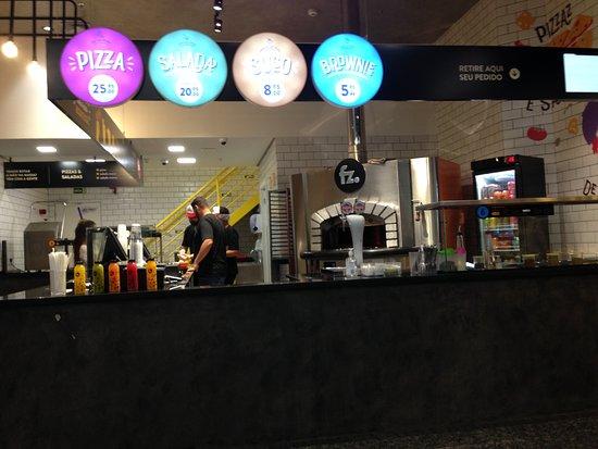 Folkz Pizzas & Saladas: Praticidade.