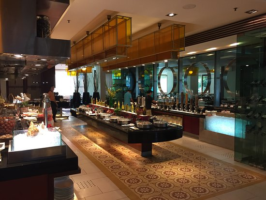 Hotel Equatorial Ho Chi Minh City: Great buffet selection
