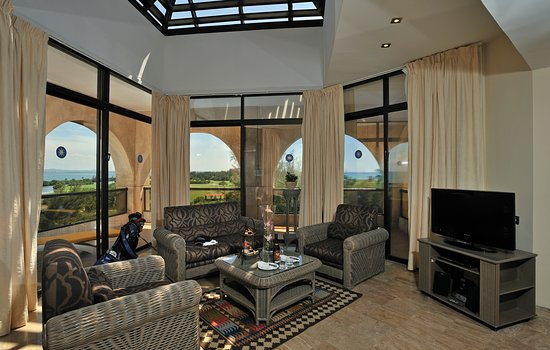 THE LEVEL GRAND SUITE GOLF VIEW
