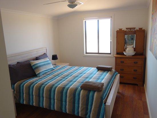 William Creek Hotel: camel house bedroom 1