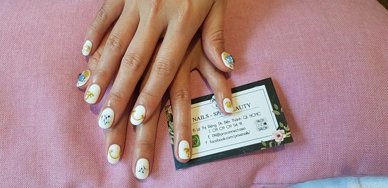 PRIVE NAILS AT ITS BEST !!! NUMBER 1 SPA IN VIETNAM