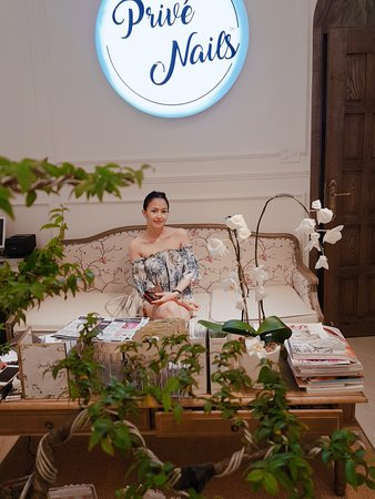 Prive - Luxury Nails & Spa Boutique: PRIVE NAILS AT ITS BEST !!! NUMBER 1 SPA IN VIETNAM