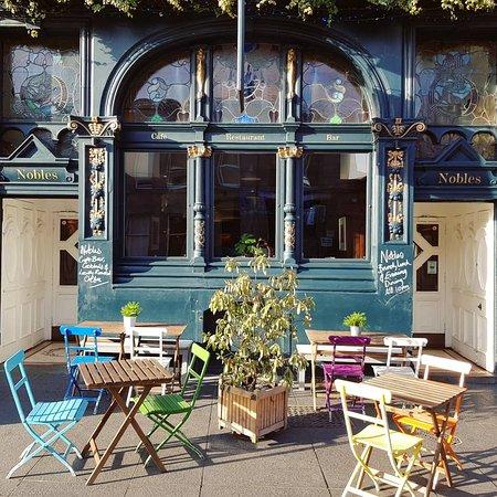 Nobles Cafe Bar & Restaurant: Outside