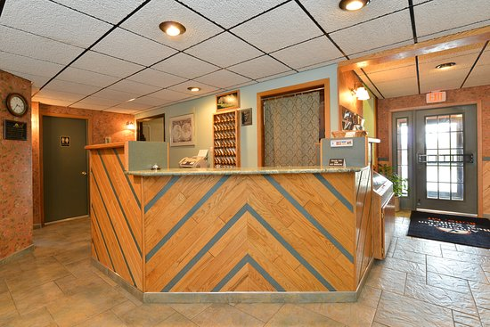 Junior Suite with microwave and mini fridge - Picture of Americas Best Value Inn Butte, Butte - Tripadvisor