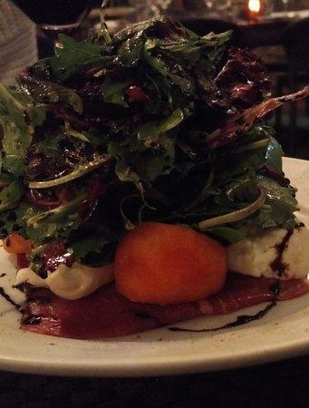 PAON Restaurant & Wine Bar: Salad stack