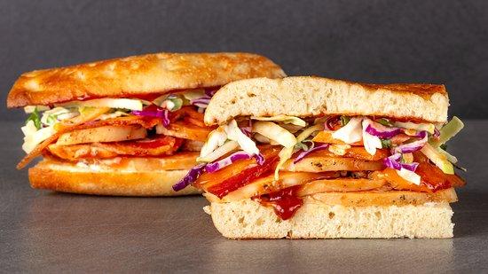Urbane Cafe: Santa Maria BBQ Sandwich