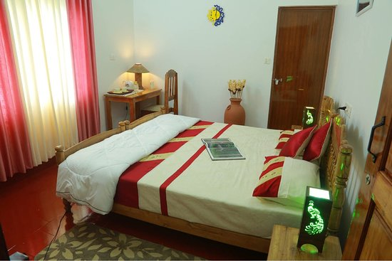 Mulberry Homestay: Double delux twin bed room