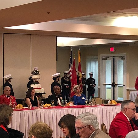 Whispering Pines, NC: Marines celebrated 243rd Birthday, 11/10/2018. Facilities were terrific and staff assisted with everything we needed. Everyone enjoyed their meals.