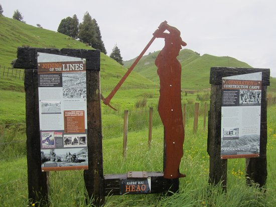 The Ultimate Taumarunui to Stratford: Many descriptions of events over the years