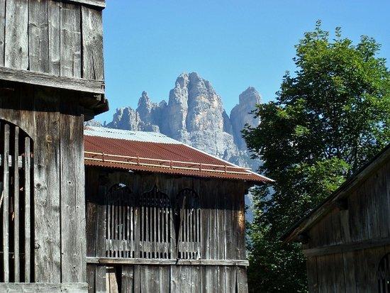 Val di Zoldo, Italy: Nel villaggio di Colcerver