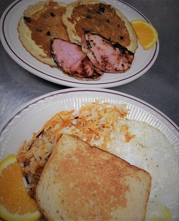 Trish's Red Bird Cafe: Breakfast is served all day!