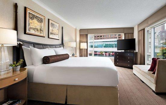 Fairmont Waterfront: Sea To Sky Suite Bedroom