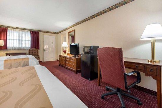 Breezewood, بنسيلفانيا: Well-equipped guest room