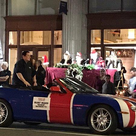 Hollywood Christmas Parade 2019.Hollywood Christmas Parade Los Angeles 2019 All You Need