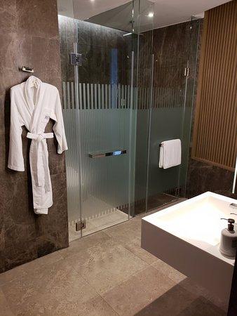 Amazing Service, Amazing Hotel, Great Location