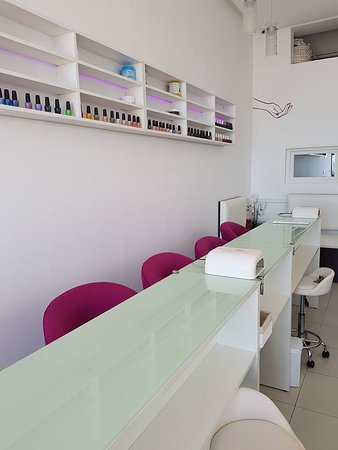 Beauty Bar Igoudar