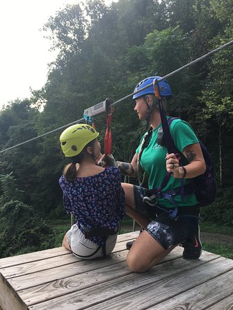 Pikeville, KY: Customers enjoying the Zipline! No fear!!