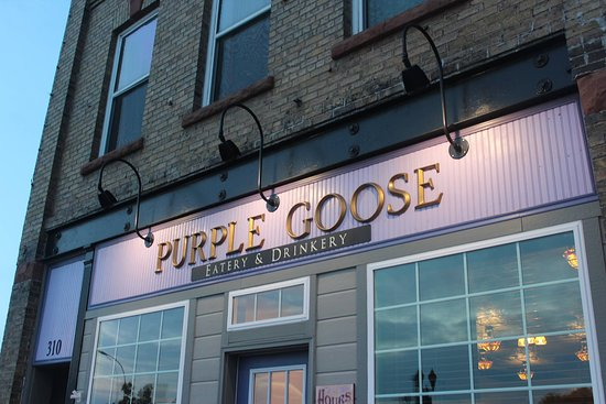 Barnesville, MN: Outside of the Purple Goose