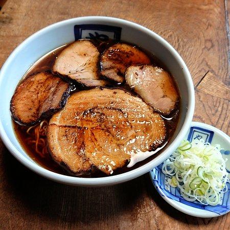 Yayoi Soba: 今日は、11月29日❗ 一年に一度の《いい肉の日》  本日は肉の日限定《肉球》を、 通常1100円→1000円です!  大判チャーシュー、豚トロチャーシュー、チャーシューが入った、肉づくし(^-^) 満足の一杯ですよ。  是非この機会にどうぞ ご来店お待ちしております❗