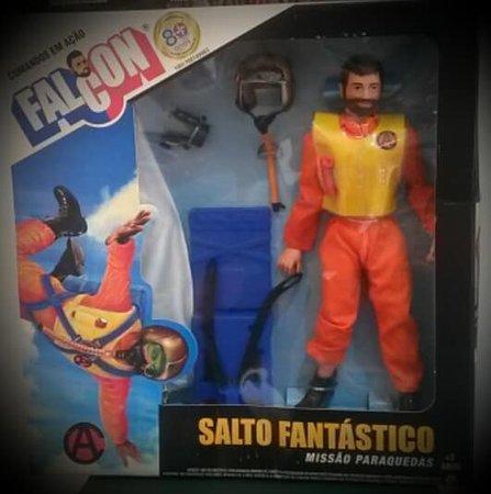 Falcon Paracaidista Figura Coleccionable, Edicion Aniversario La Estrela
