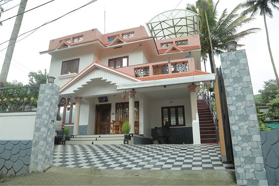 Mulberry Homestay: Front view