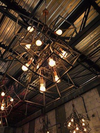 MIA Kitchen & Bar: interesting light