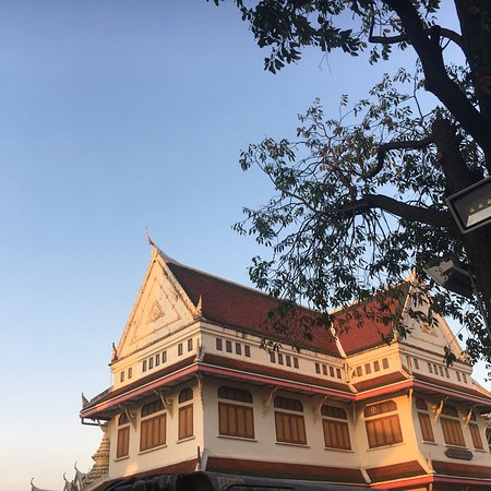 Our Visit to Famous Buddhist temple, Temple of Dawn (Wat Arun)