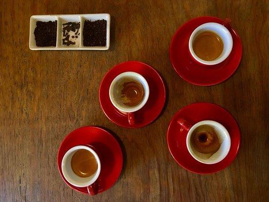 Cueva Caffe: Espresso o Americano? Cuál se te antoja hoy?