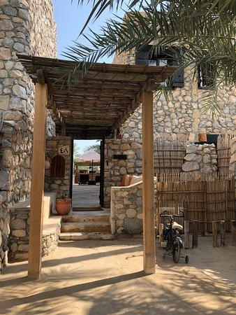 Zighy Bay, עומאן: Exterior of villa.
