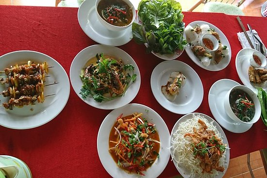 Explore Vietnamese Cuisine: Cooking...