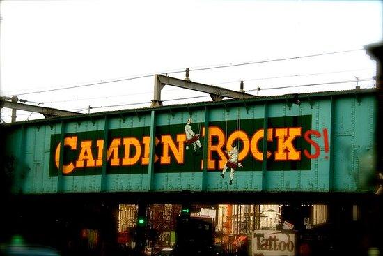 Excursão a pé pela história de Camden...