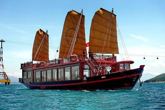 Nha Trang Bay Day Cruise