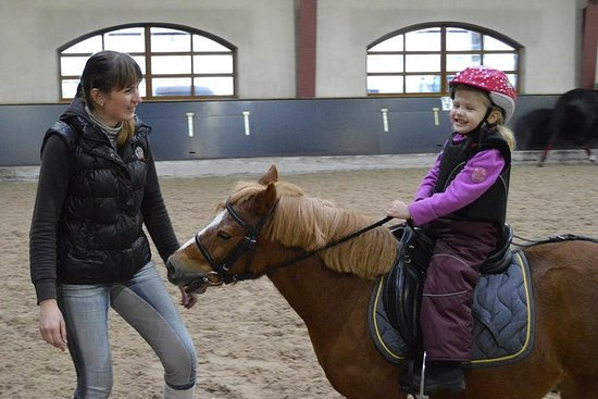 Equestrian Complex Tour med ridning...