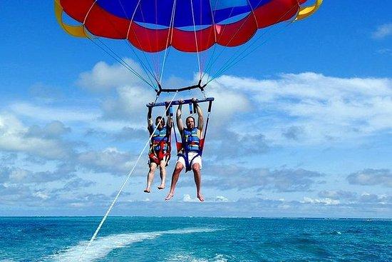Combiné parachute ascensionnel et...