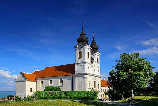 バラトン地方ツアー:Hévíz、Keszthely、Badacsony
