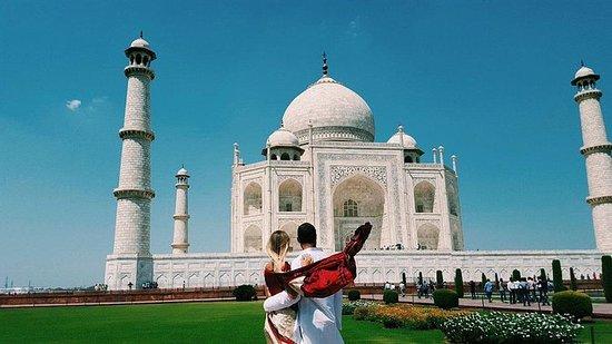 Taj Mahal Mughal Tour By Gatiman...