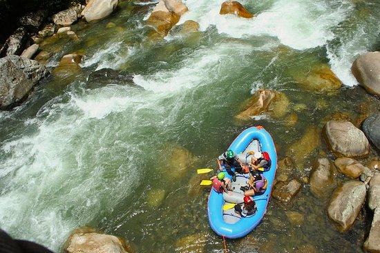 Rafting Jondachi River Class IV...