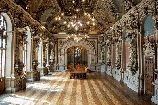 Palais Bénédictine Guidet besøk i...