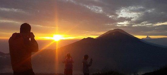 Mt Batur Sunrise Trekking con tour