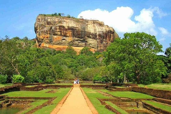 sigiriya dabulla one day tour
