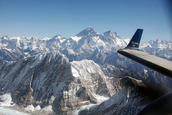 The most Captivating Everest Scenic...